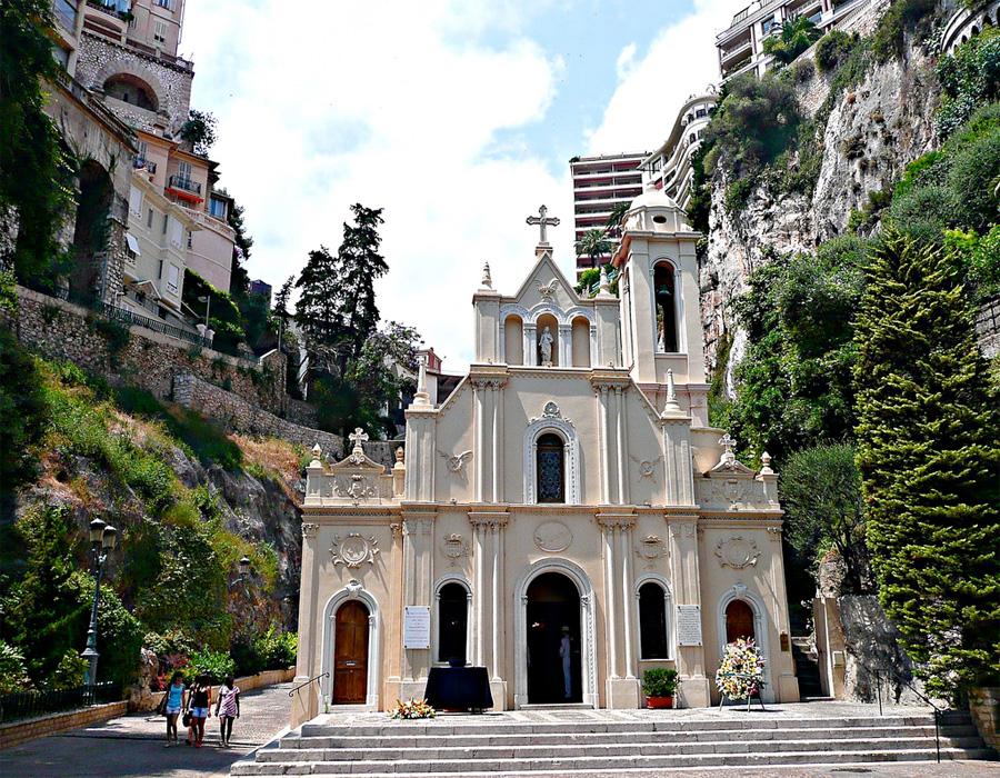 Церковь святой Девоты